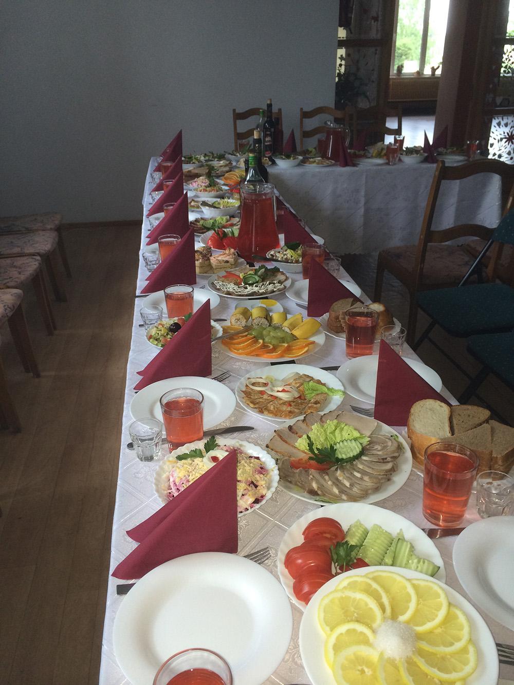 Bēru mielasts galds 4